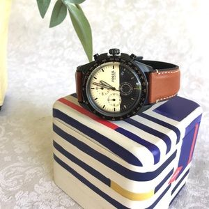 NWT Men's FOSSIL Watch with Leather Band